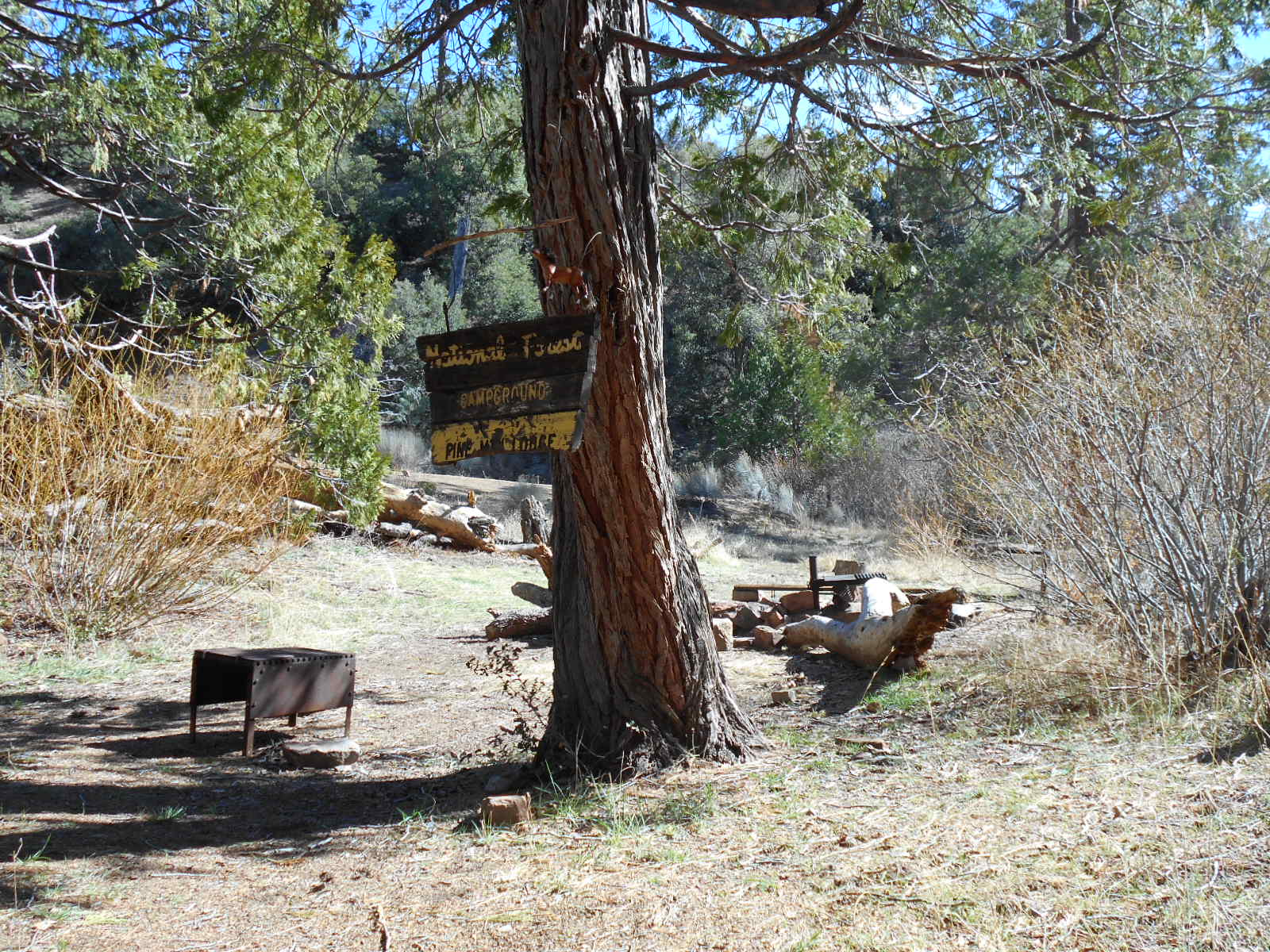 Pine Mountain Lodge Campground (see Stove, And Sitting Area Made From Old  Bench)